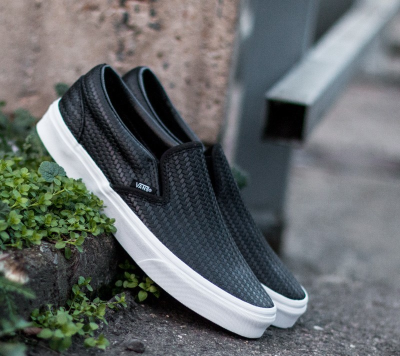 Vans Classic Slip-On Embossed Weave Black/True White Footshop – FR