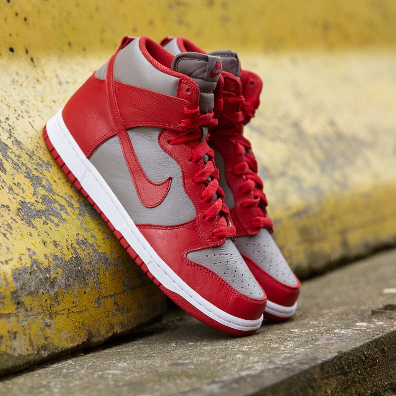 Nike Wmns Dunk Retro QS Soft Grey/ University Red