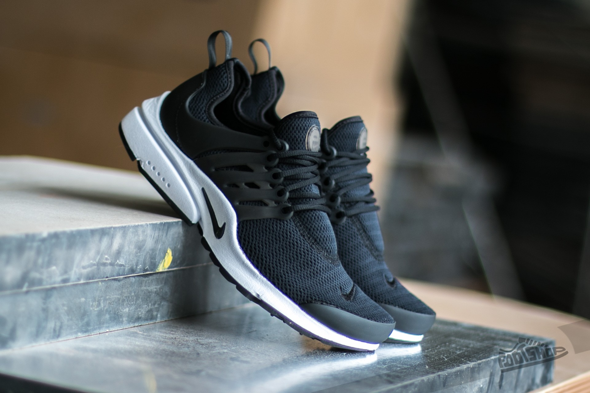 Nike W Air Presto Black/ Black- White