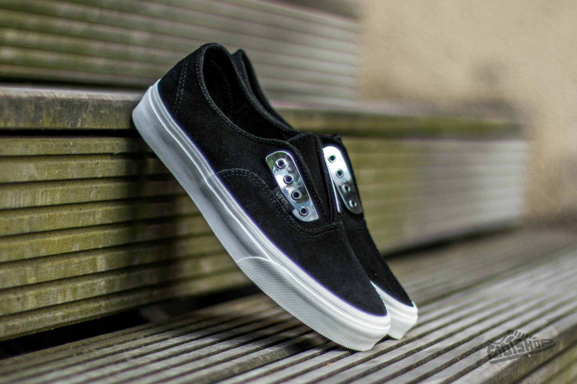 Vans Authentic Gore (Metal Eyeplate) Black