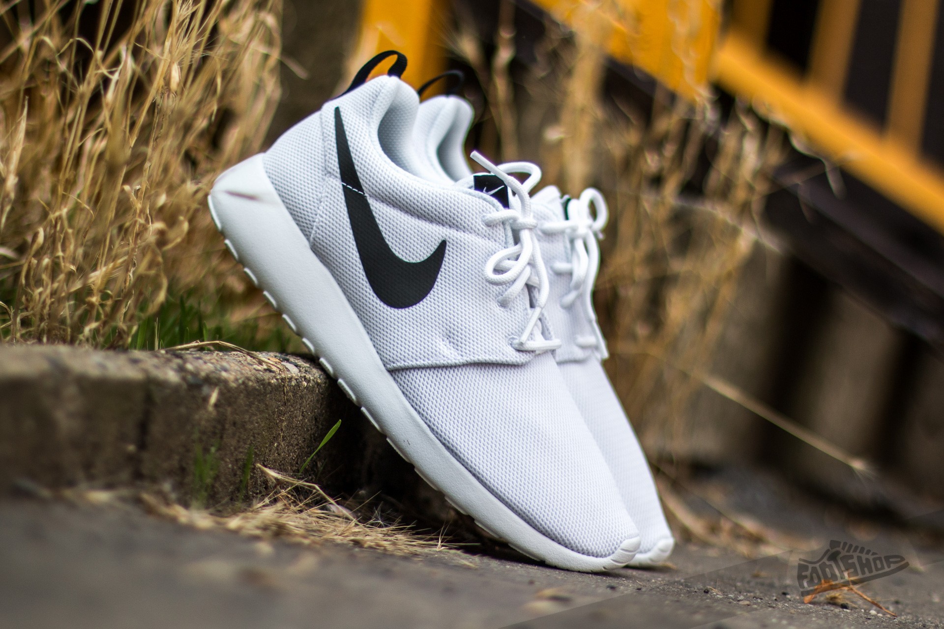 Nike Wmns Roshe One White/ White-Black Footshop – FR