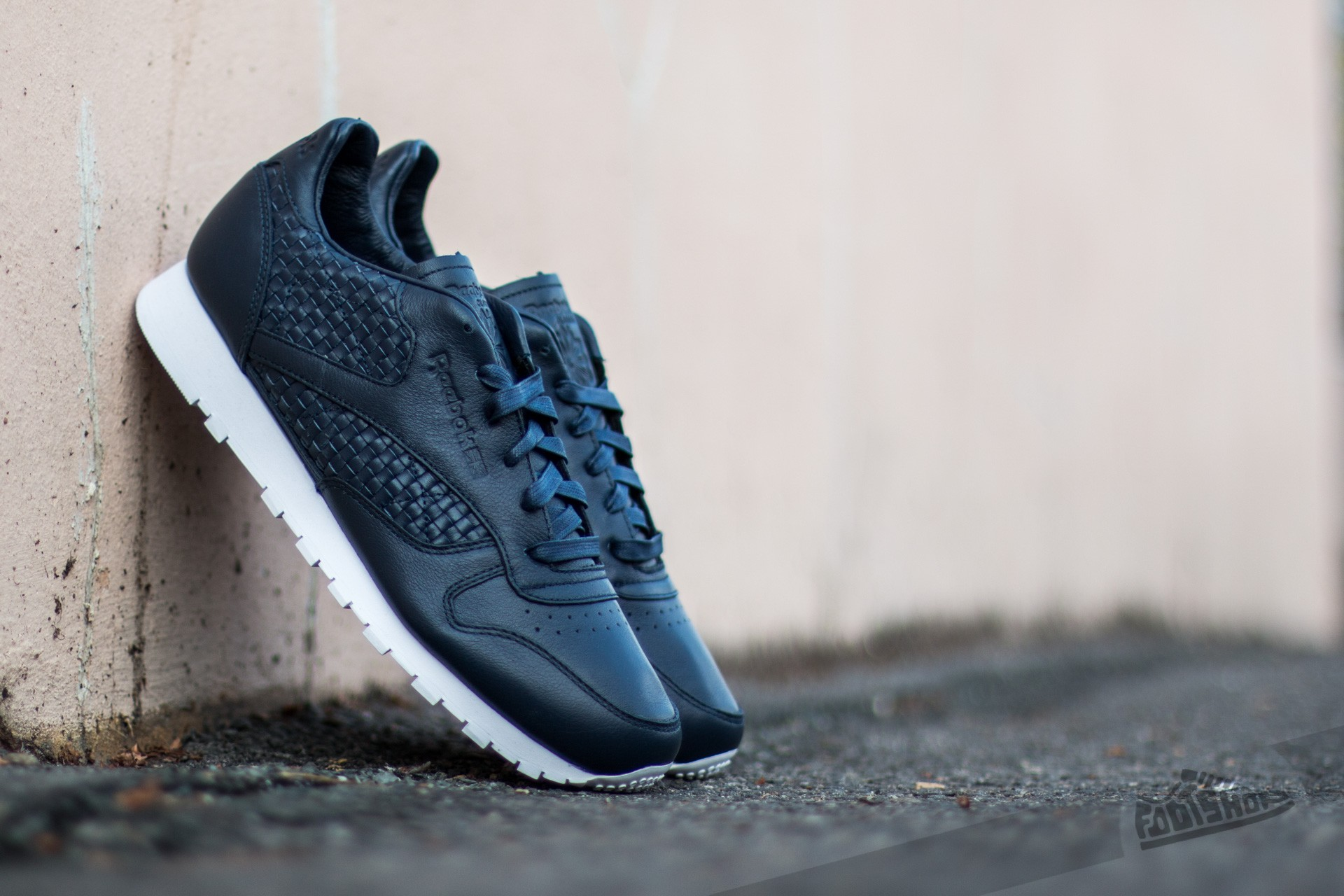 Reebok Classic Leather Weave Collegiate Navy/ White