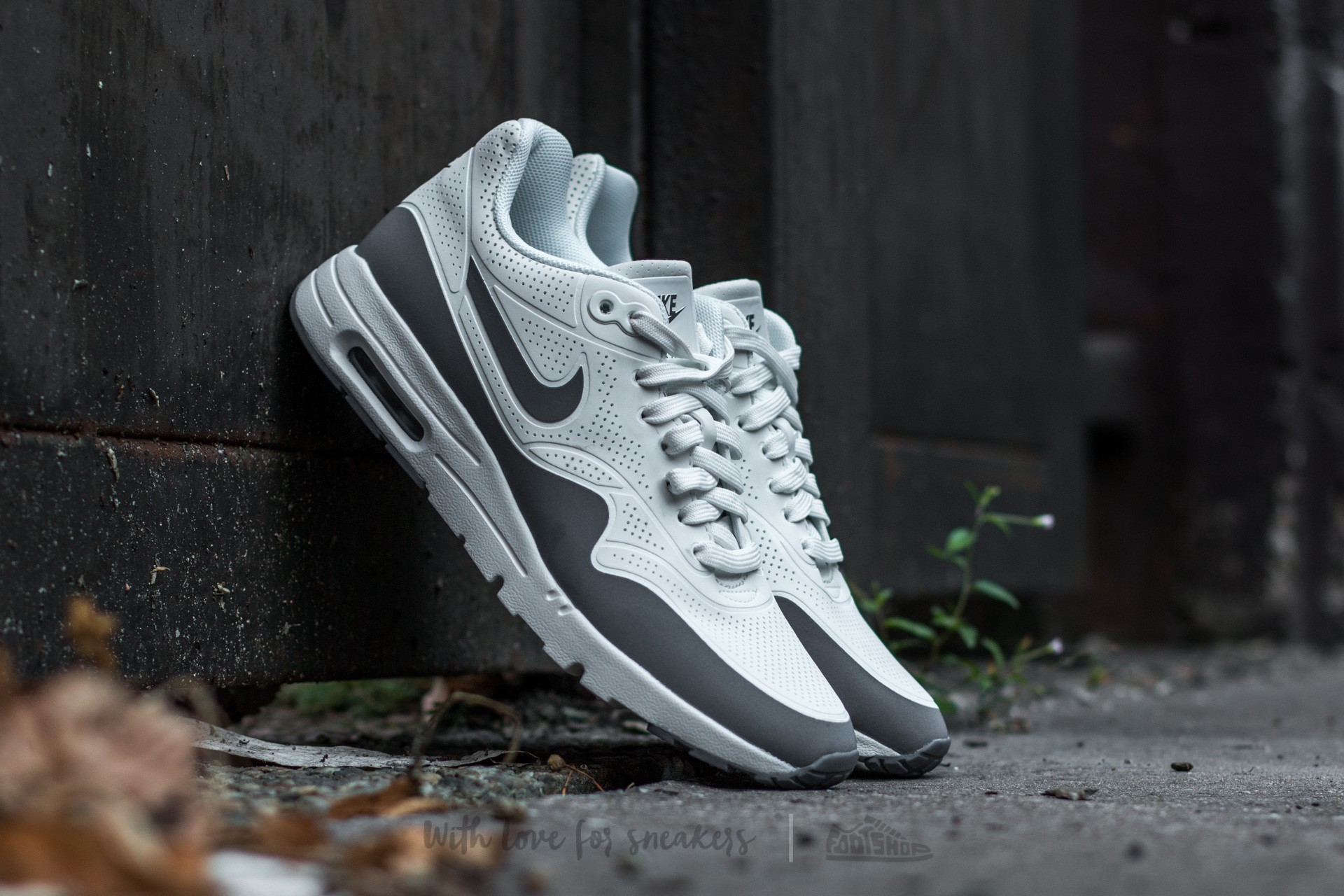 Nike Wmns Air Max 1 Ultra Moire Summit White/ Cool Grey-Mettalic Silver-White Footshop – FR