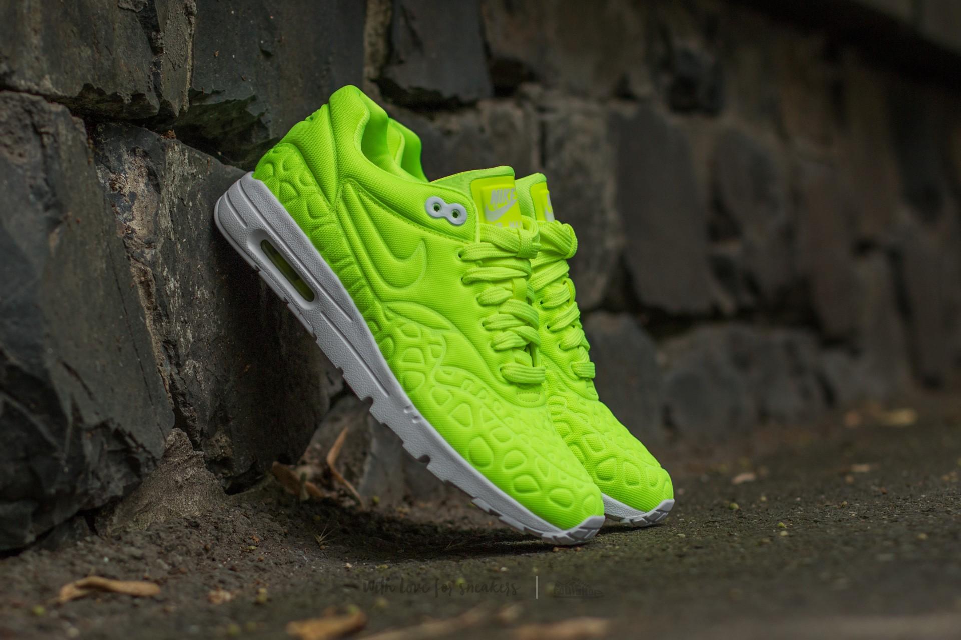 Nike Wmns Air Max 1 Ultra Plush Volt/ Volt-White