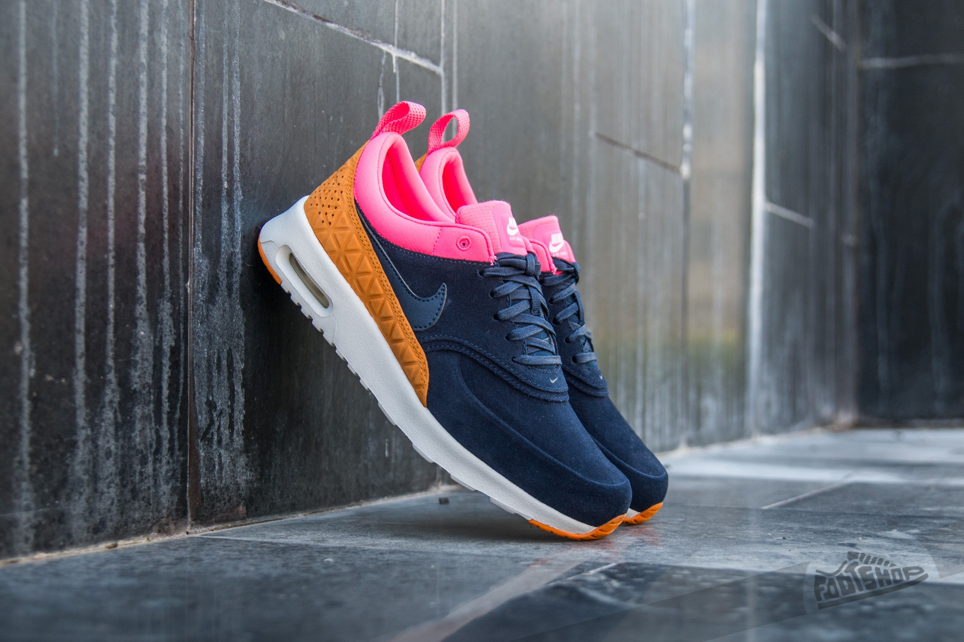 Nike W Air Max Thea Premium Leather Obsidian/ Obsidian-Digital Pink-Sunset
