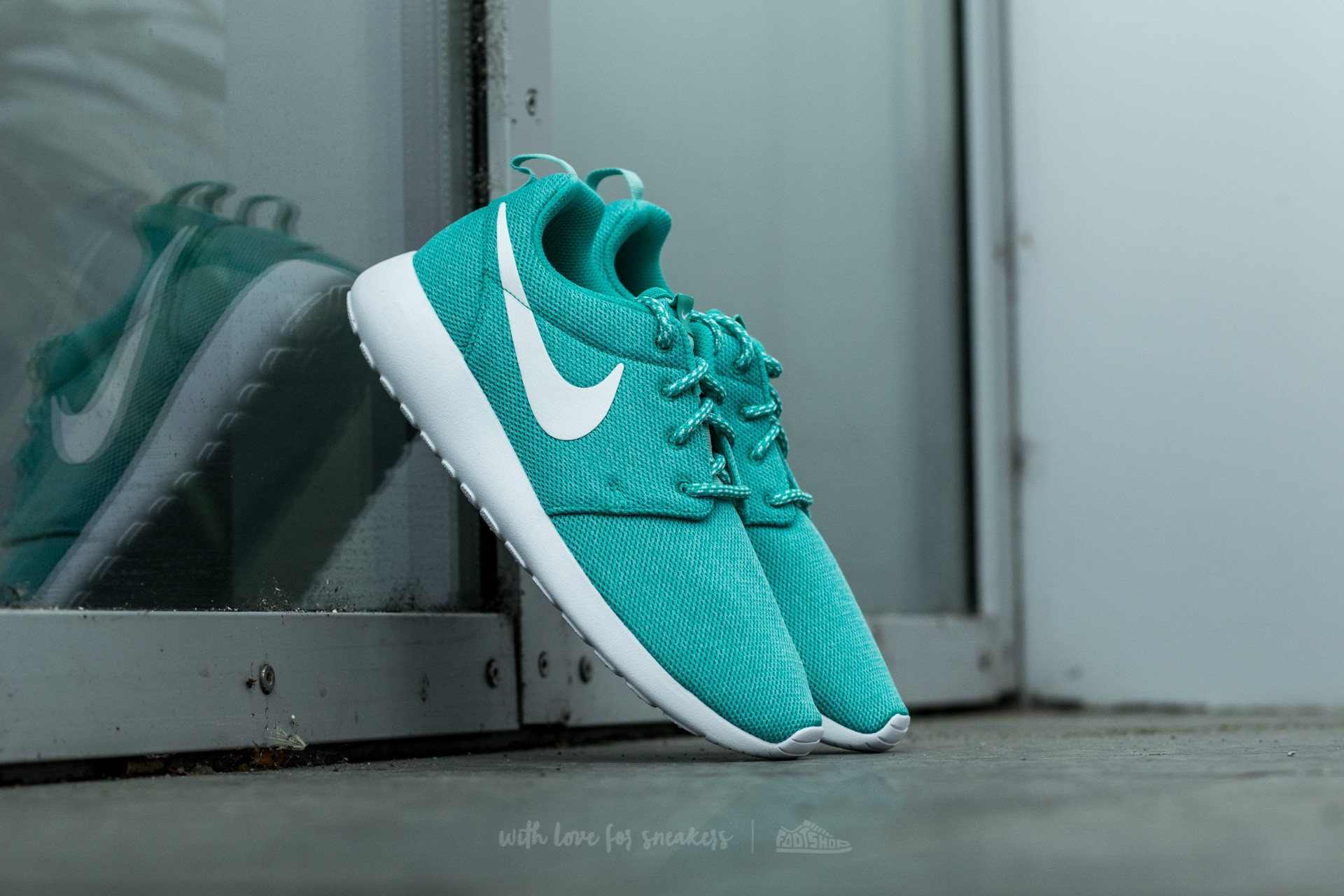 Nike W Roshe One Clear Jade/ White-Hyper Turquoise Footshop – FR