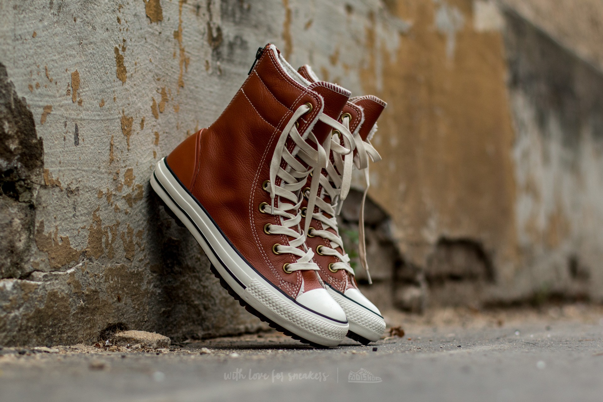 Converse Chuck Taylor All Star Hi-Rise Boot Leather + Fur Antique Sepia/ Parchment/ Egret