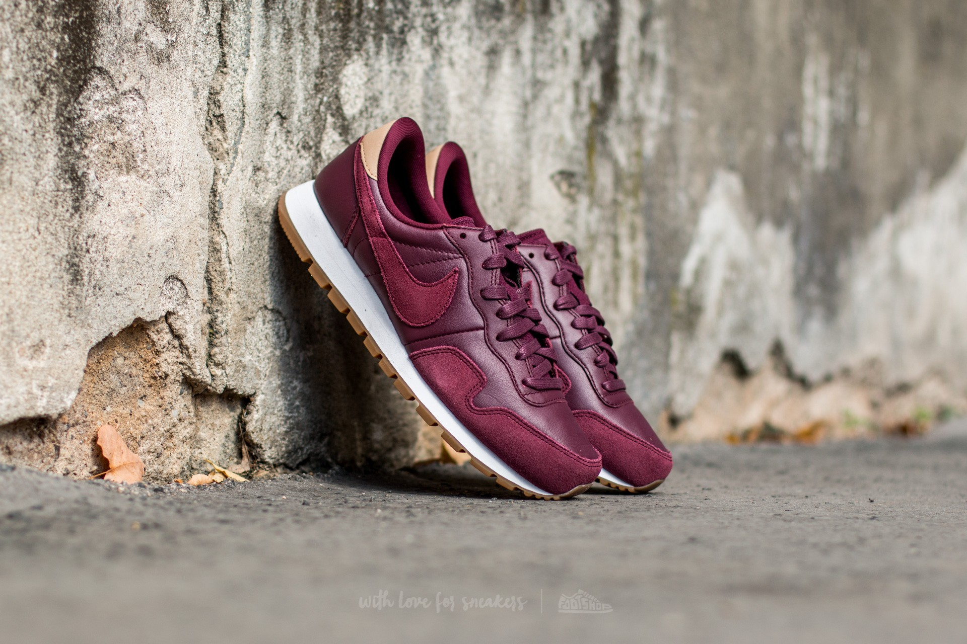Nike Air Pegasus 83 Premium Night Maroon/ Night Maroon-Black-Vachetta Tan
