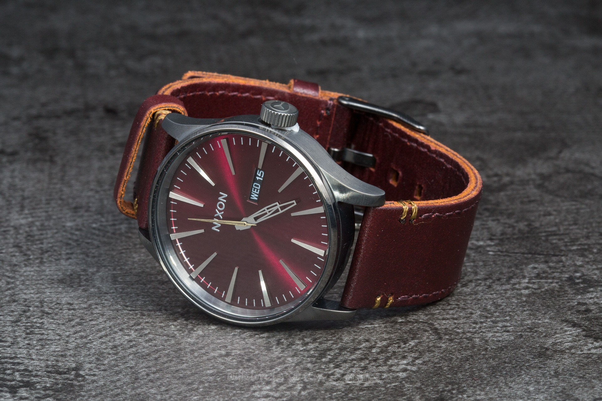 Nixon Sentry Leather Gunmetal/ Deep Burgundy Footshop – FR