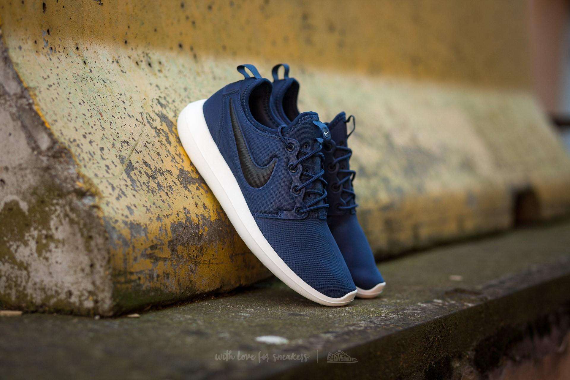 Nike Roshe Two Midnight Navy/ Black-Sail-Volt