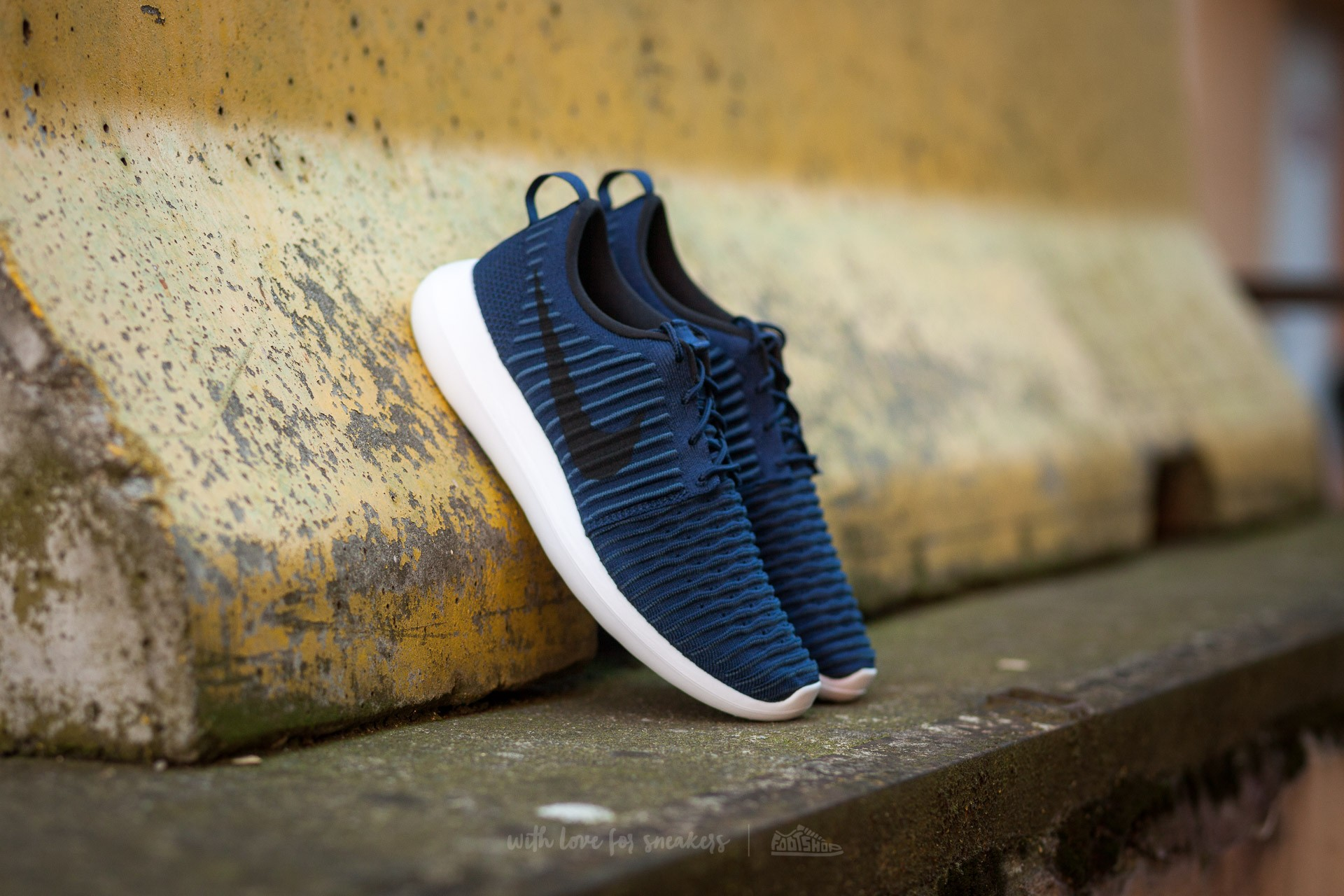 Nike Roshe Two Flyknit College Navy/ Black-White-Squadron Black