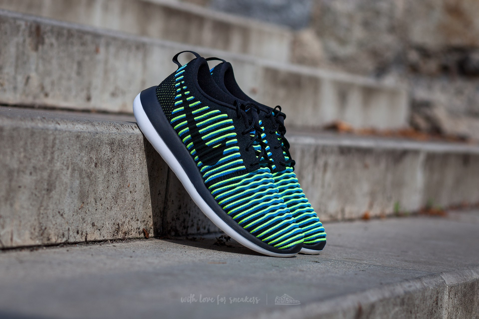Nike W Roshe Two Flyknit Black/ Black-Photo Blue-Volt Footshop – FR