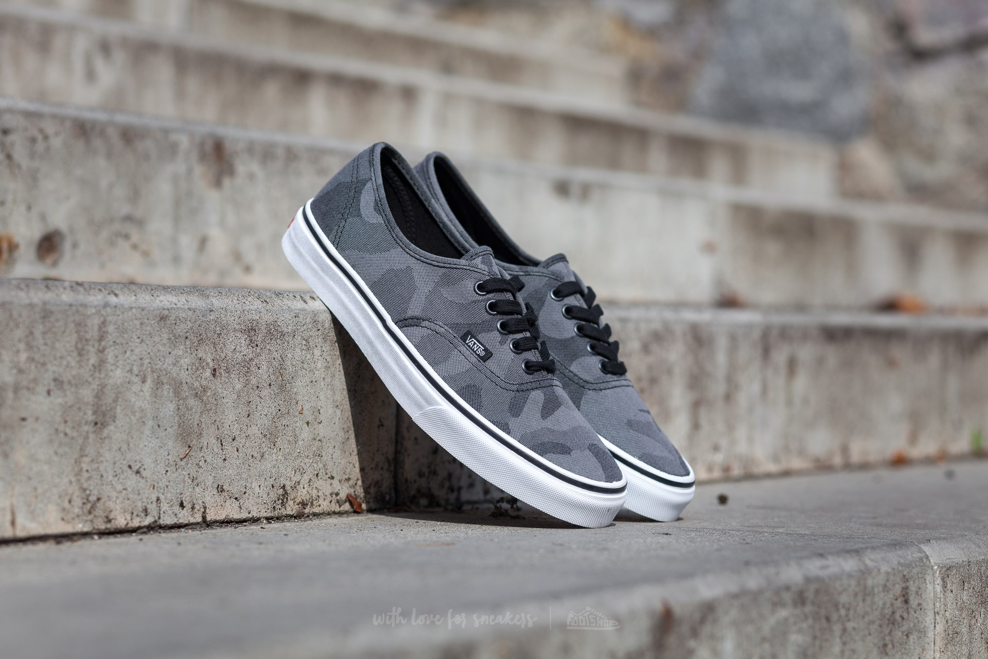 Vans Authentic (Camo Jacquard) Black True/ White Footshop – FR