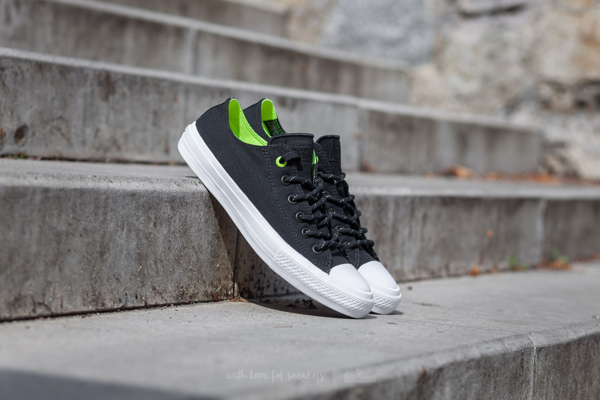 Converse Chuck Taylor All Star II Ox Black/ Volt/ White