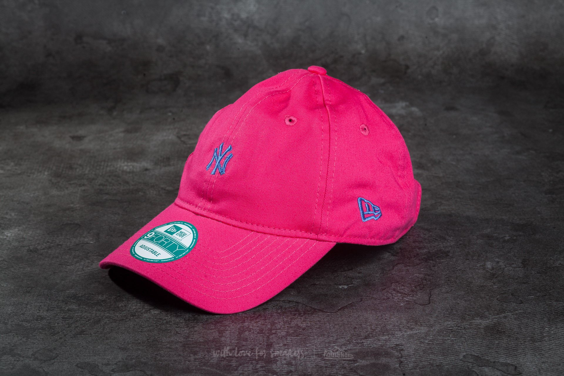 New Era Essential 9Forty Adjustable New York Yankees Cap Pink/ Blue Footshop – FR