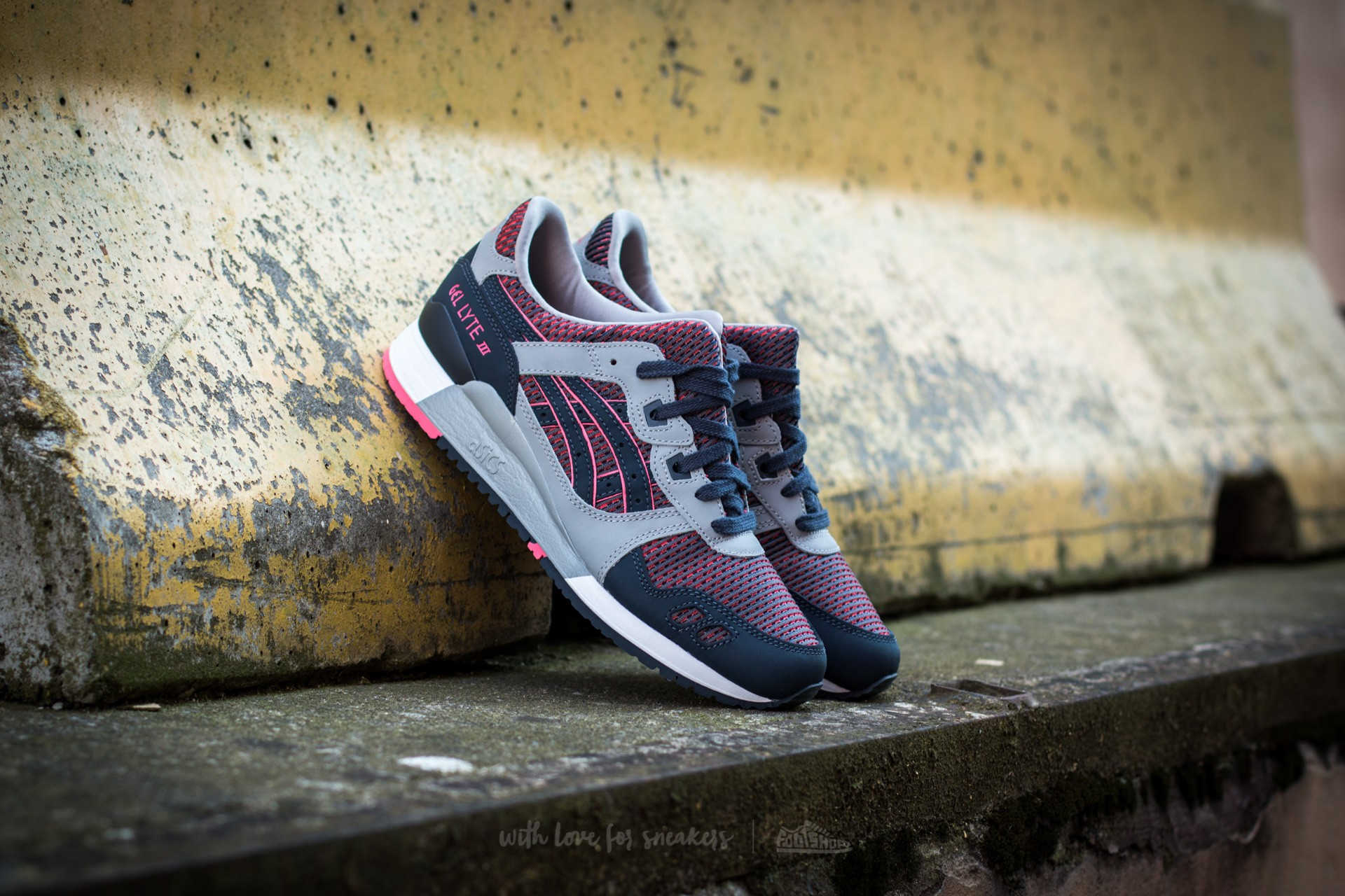 Asics Gel-Lyte III Medium Grey/ Guava