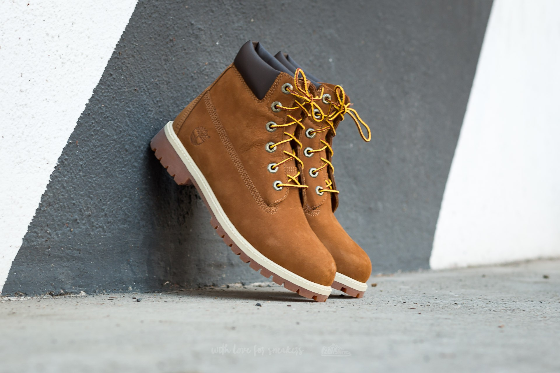 Timberland 6 in Premium Rust Nubuk Brown