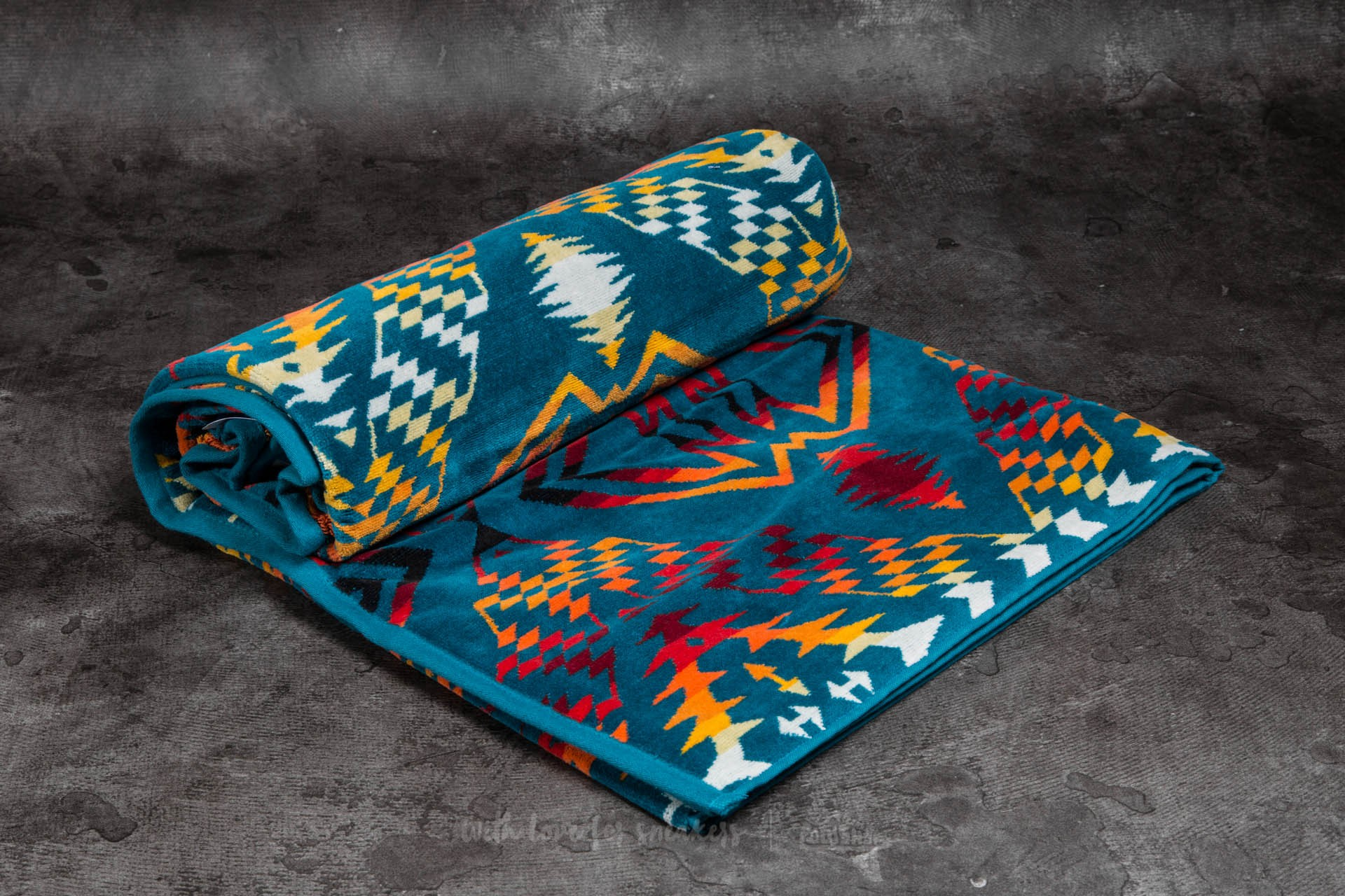 Pendleton Oversized Jacquard Towel Turquoise (Thunder & Earthquake) Footshop – FR