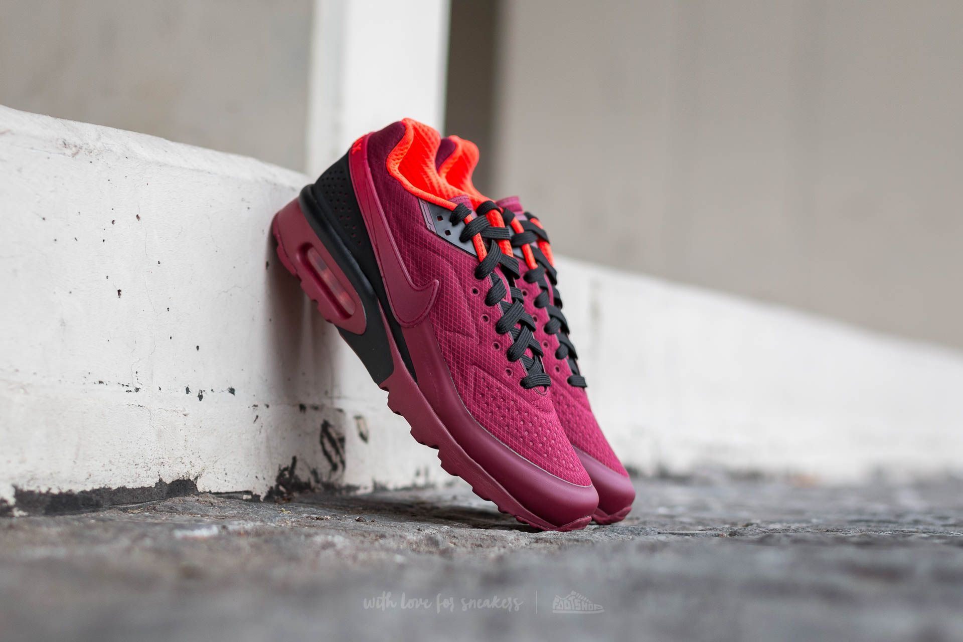 Nike Air Max BW Ultra SE Team Red/ Team Red