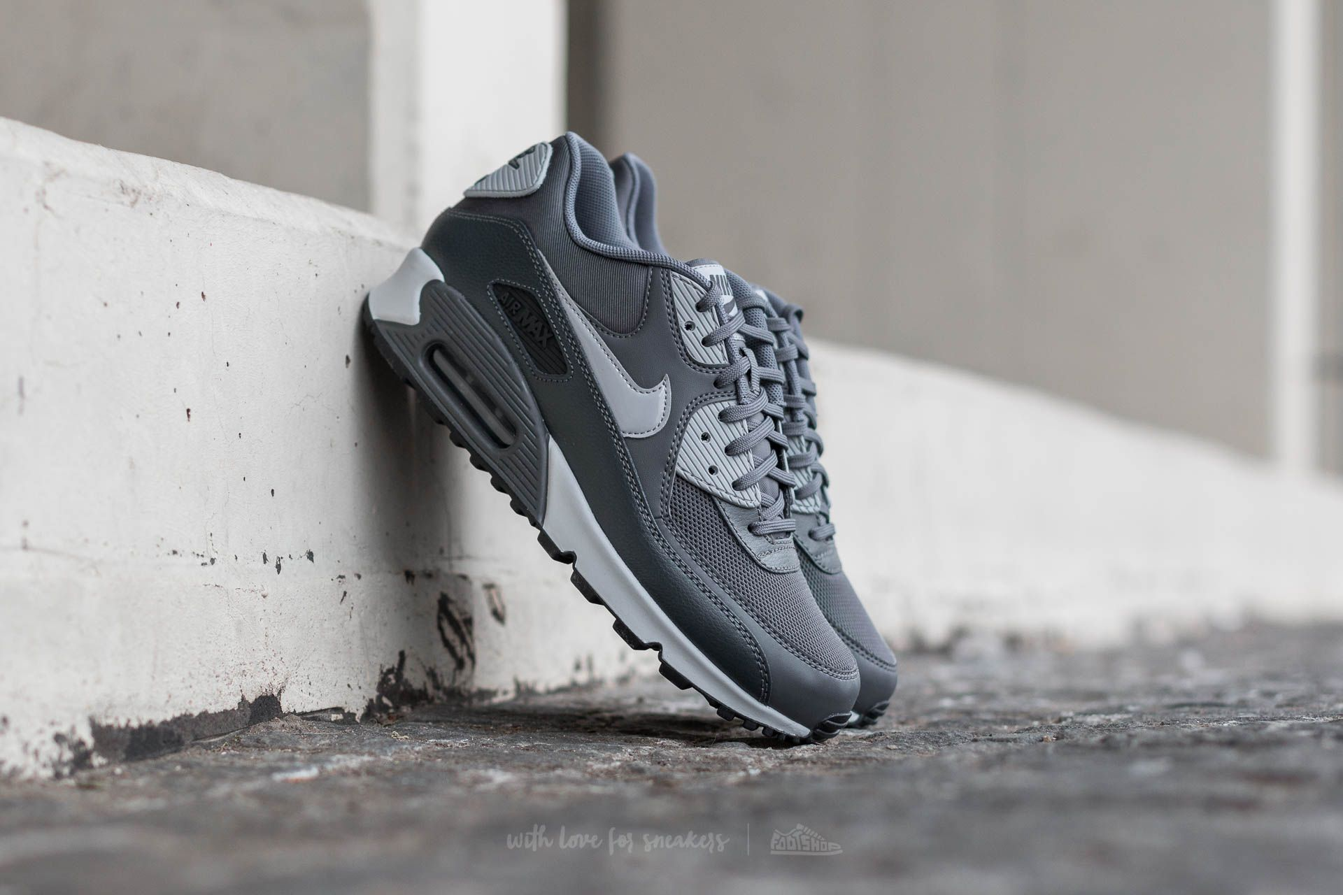 Nike Wmns Air Max 90 Essential Dark Grey/ Wolf Grey-Anthracite Footshop – FR