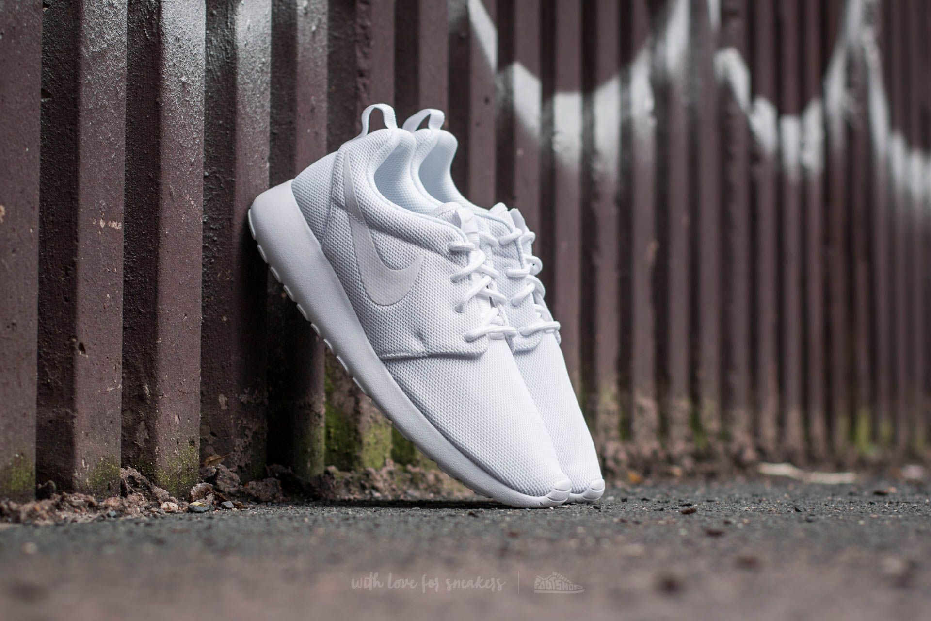 Nike W Roshe One White/ White-Pure Platinum