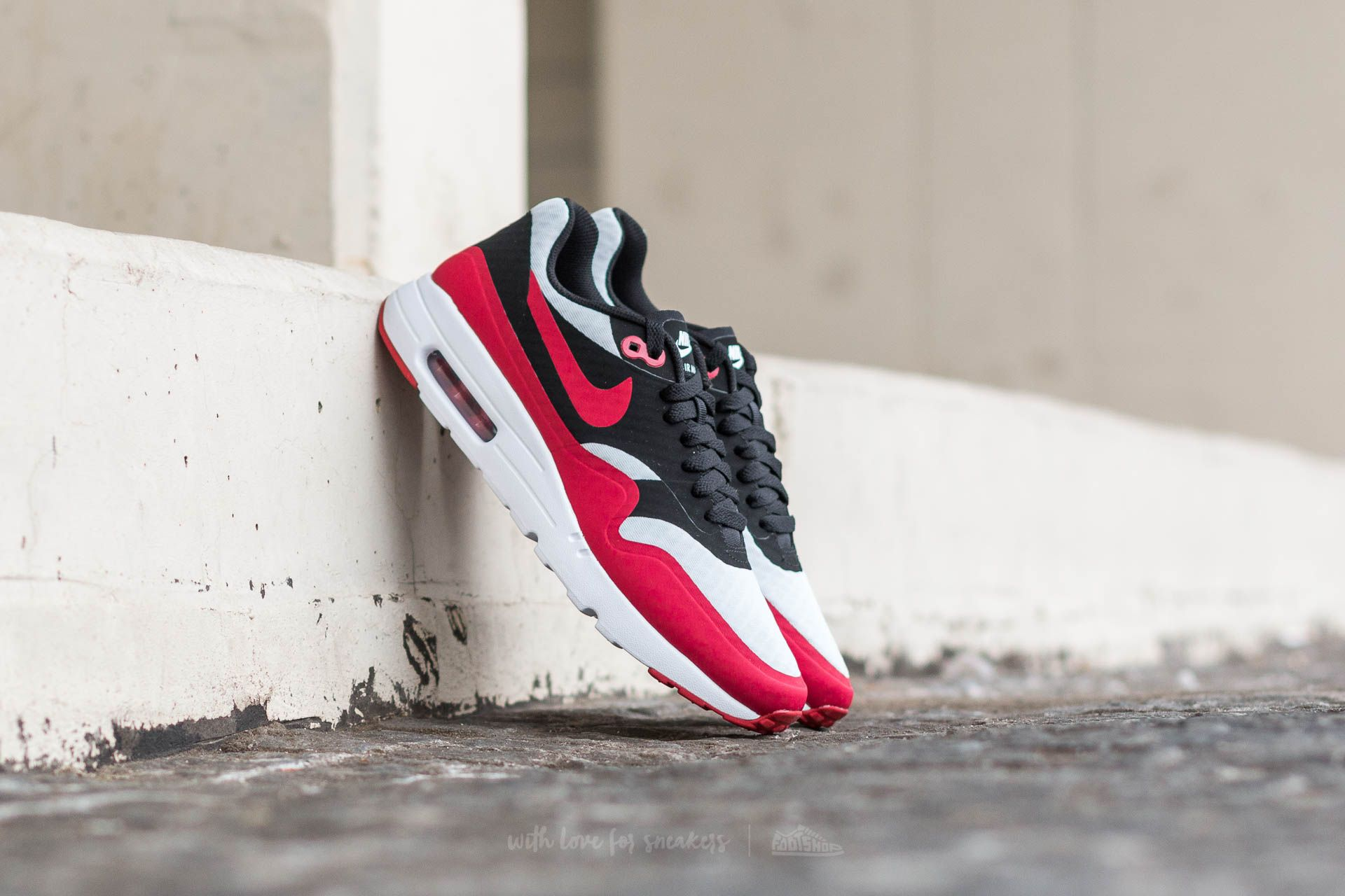 Nike Air Max 1 Ultra Essential Pure Platinum/ Gym Red-Black Footshop – FR