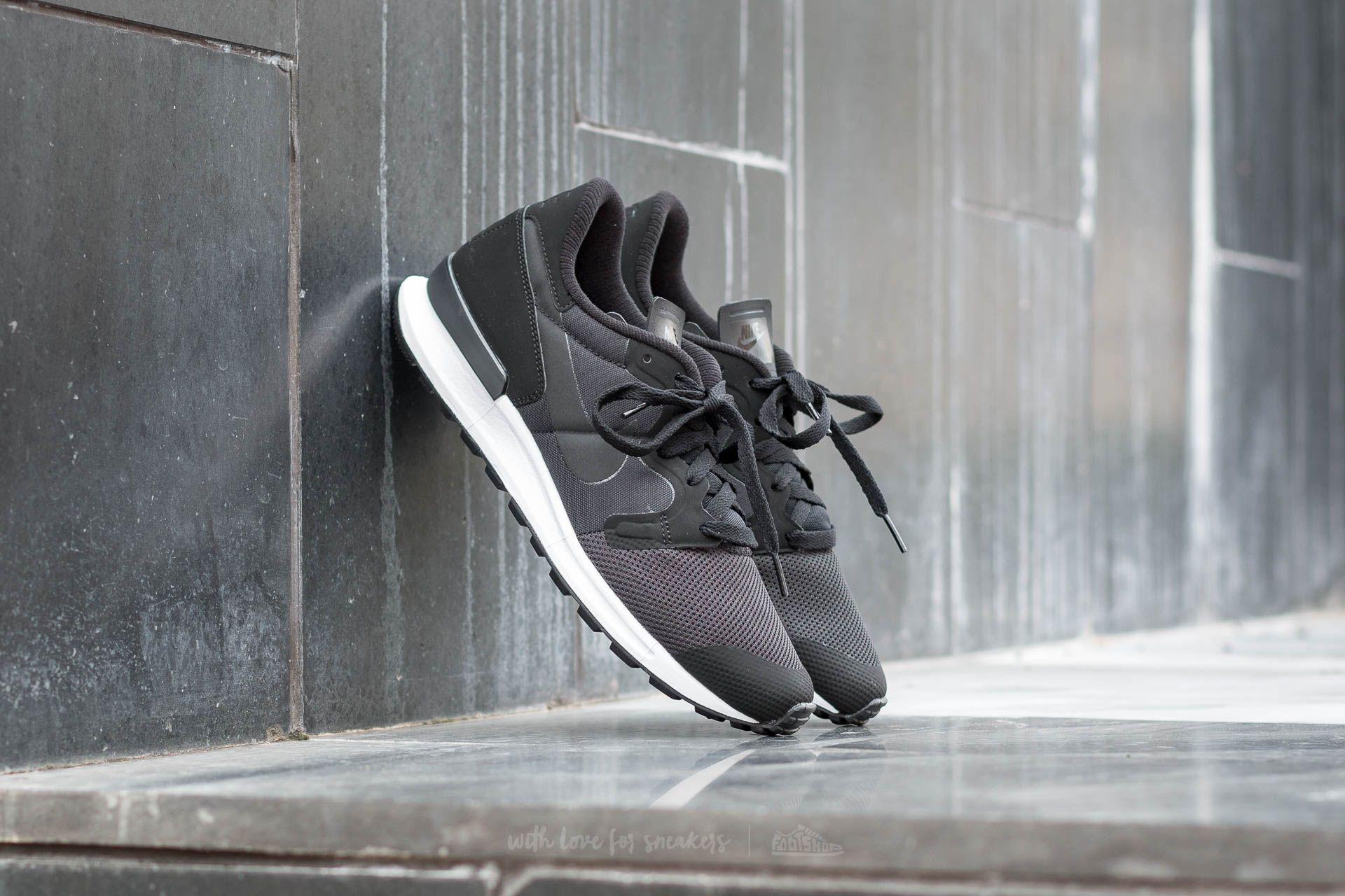 Nike Air Berwuda Black/ Black-Black
