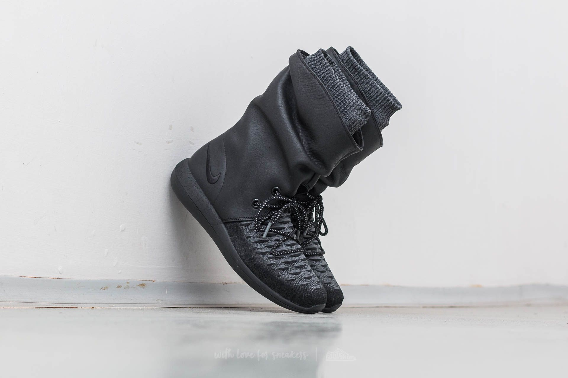 Nike W Roshe Two Hi Flyknit Black/ Black-Dark Grey Footshop – FR
