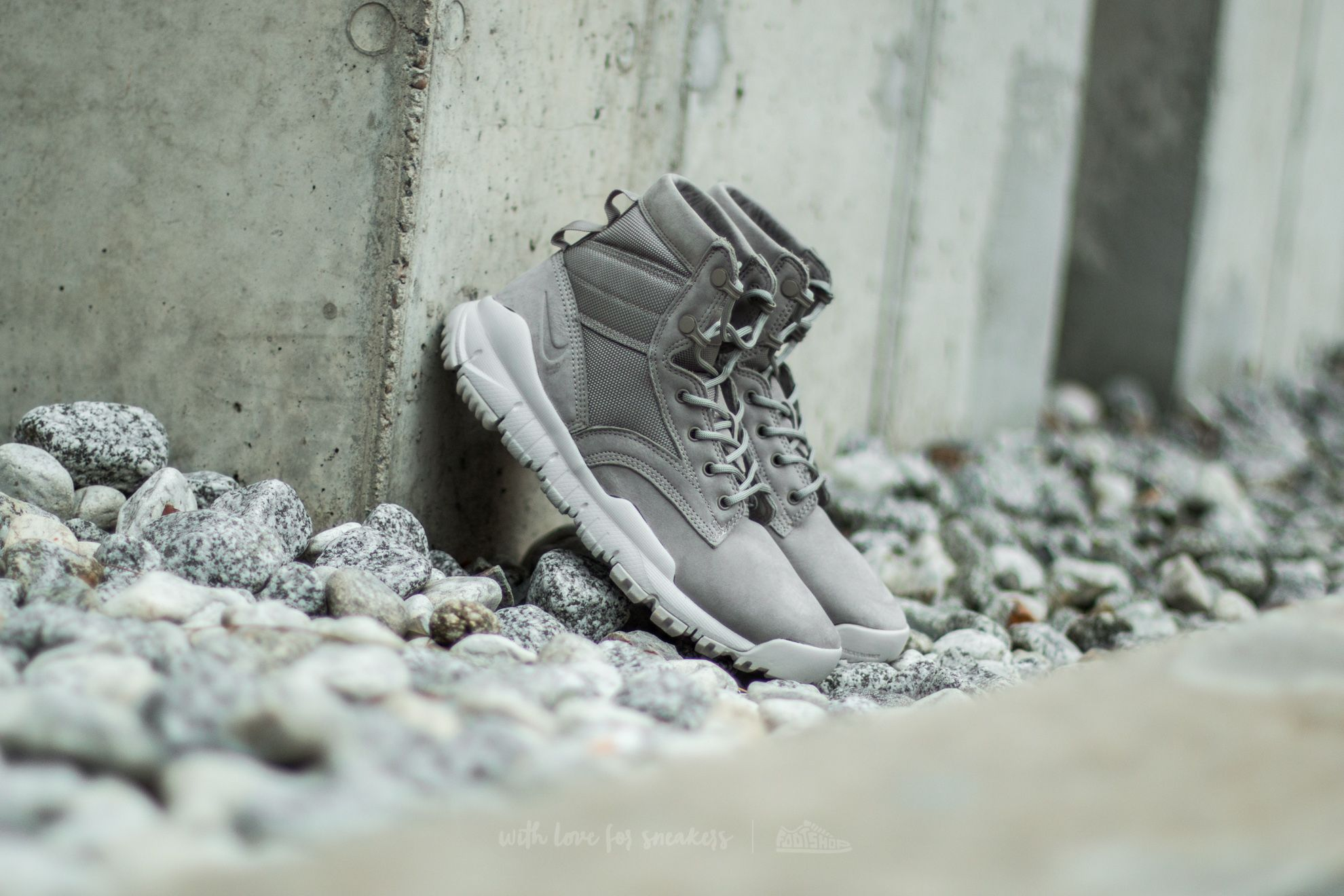 "Nike Wmns SFB 6"" NSW Leather Light Taupe/ Light Taupe"