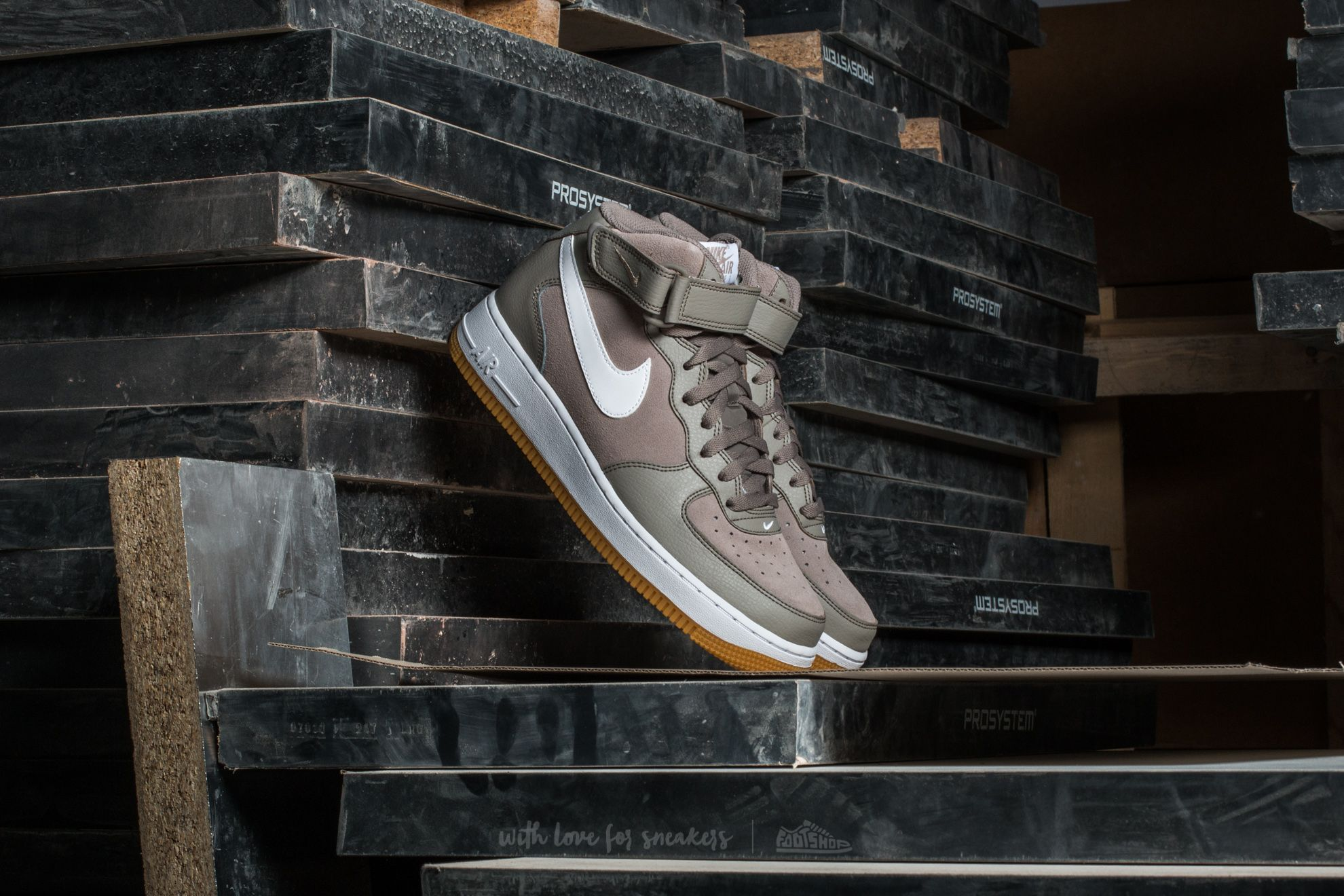 Nike Air Force 1 Mid '07 Light Taupe/ White