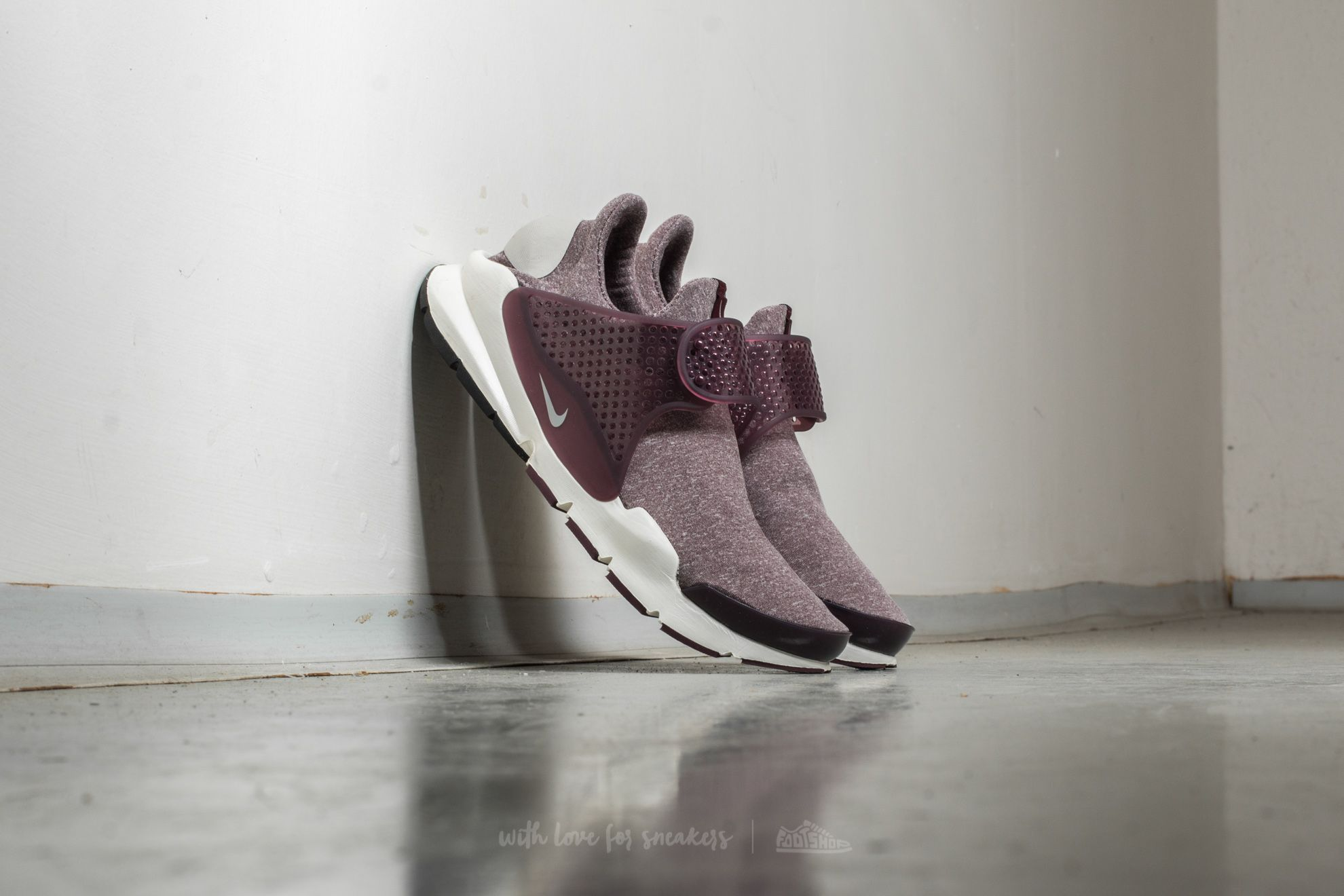 Nike Wmns Sock Dart SE Night Maroon/ Light Iron Ore Footshop – FR