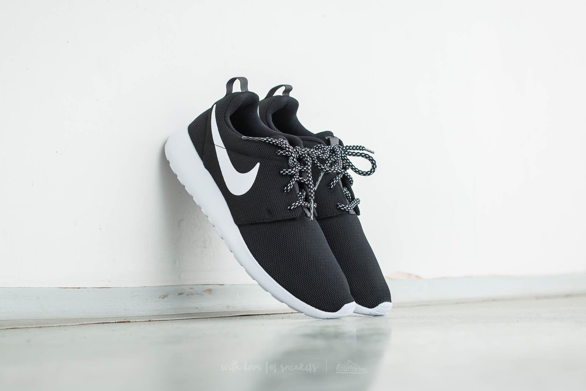 Nike W Roshe One Black/ White-Dark Grey
