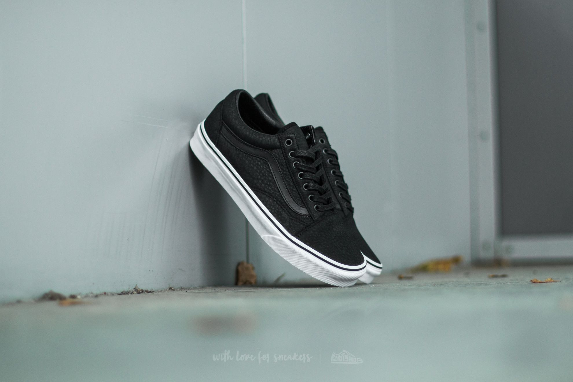 Vans Old Skool (Premium Leather) Black/ True White