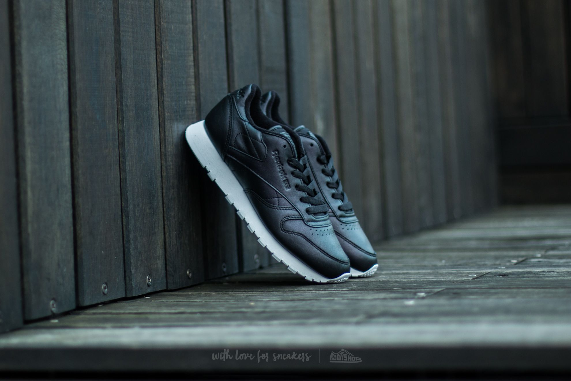 Reebok Classic Leather Pearlized Black/ White