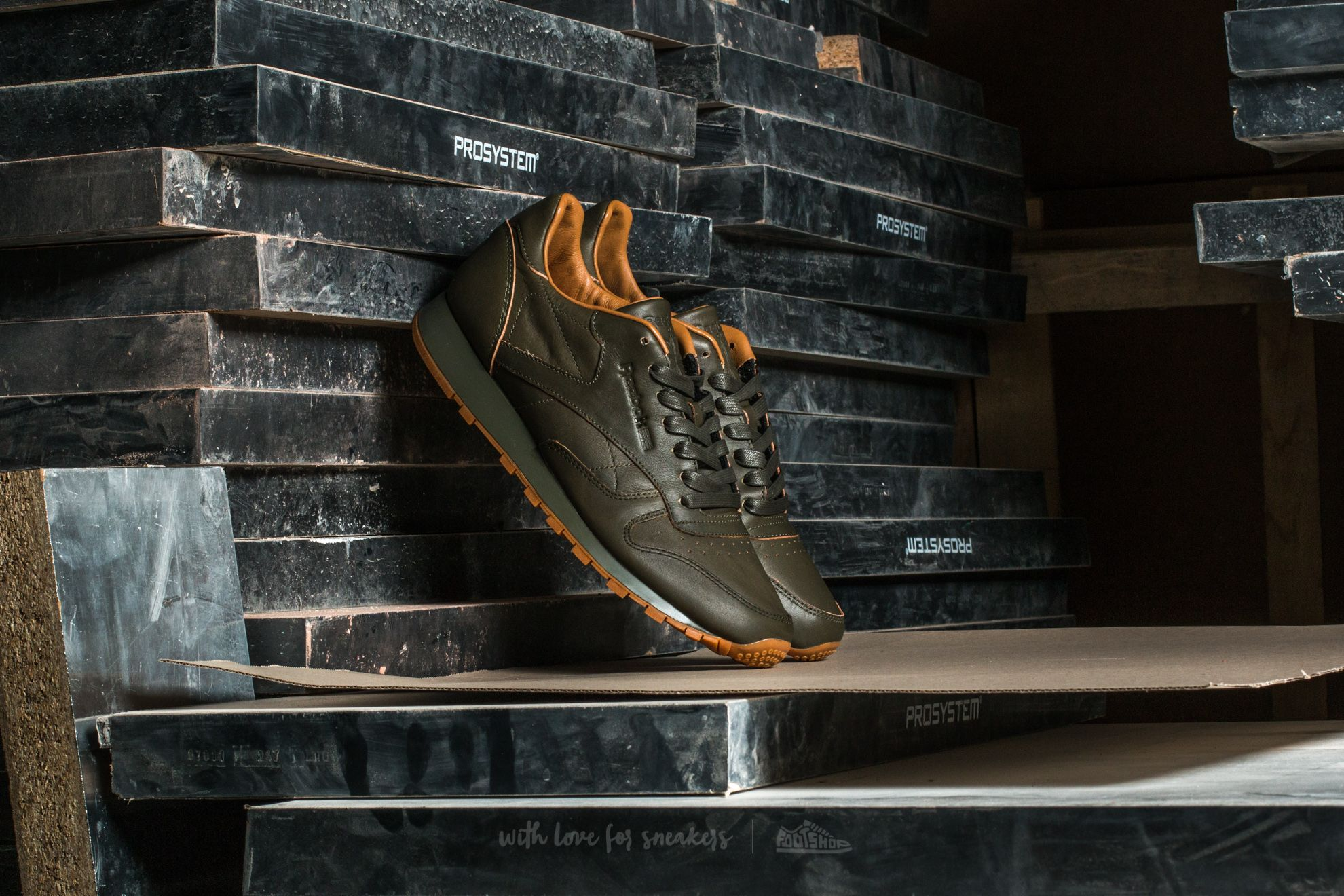 Reebok Classic Leather Lux Kendrick Olive Night-Gum