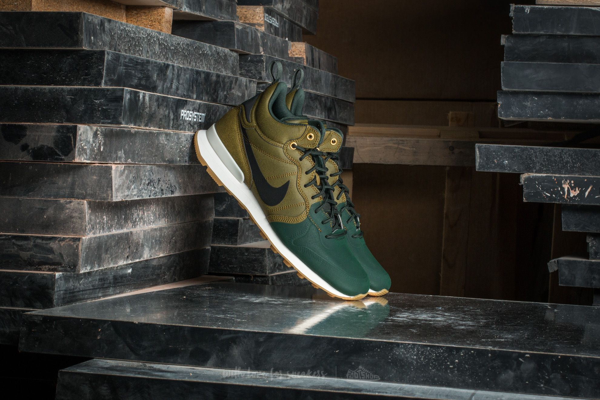 Nike Internationalist Utility Olive Flak/ Black-Grove Green Footshop – FR