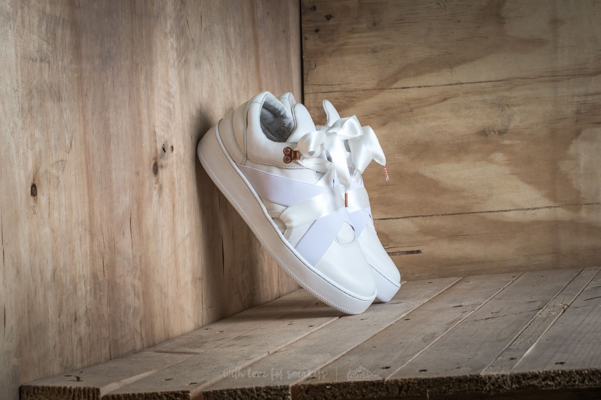 Filling Pieces Mountain Cut Bow White Footshop – FR