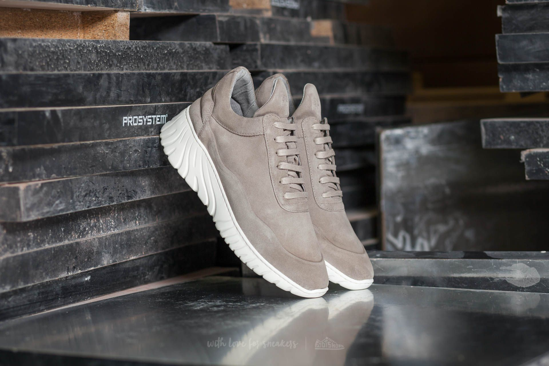 Filling Pieces Roots Runner Roman Grey