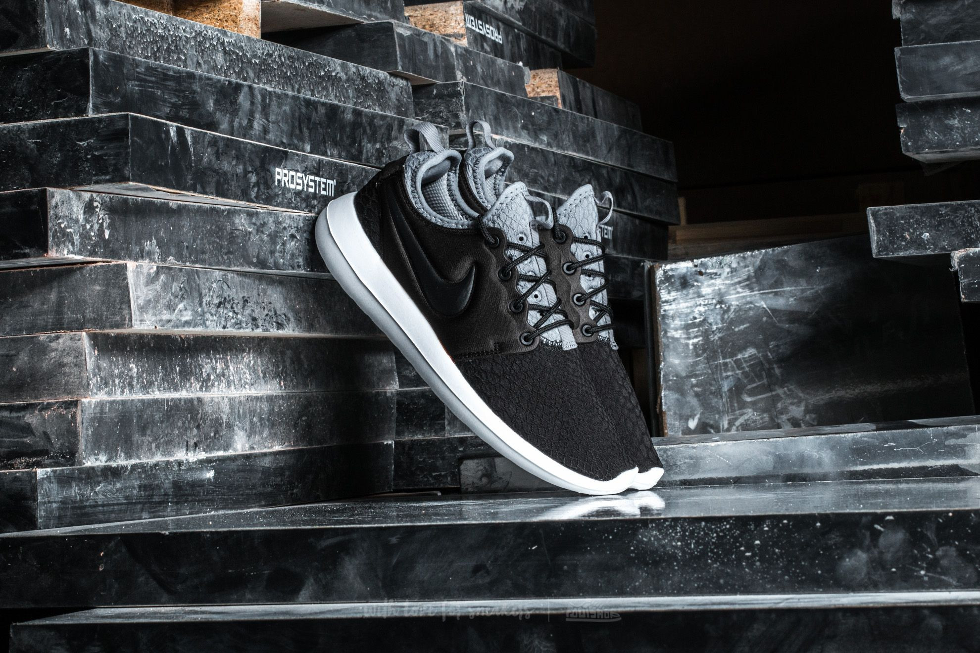Nike W Roshe Two SE Black/ Black-Cool Grey-White Footshop – FR