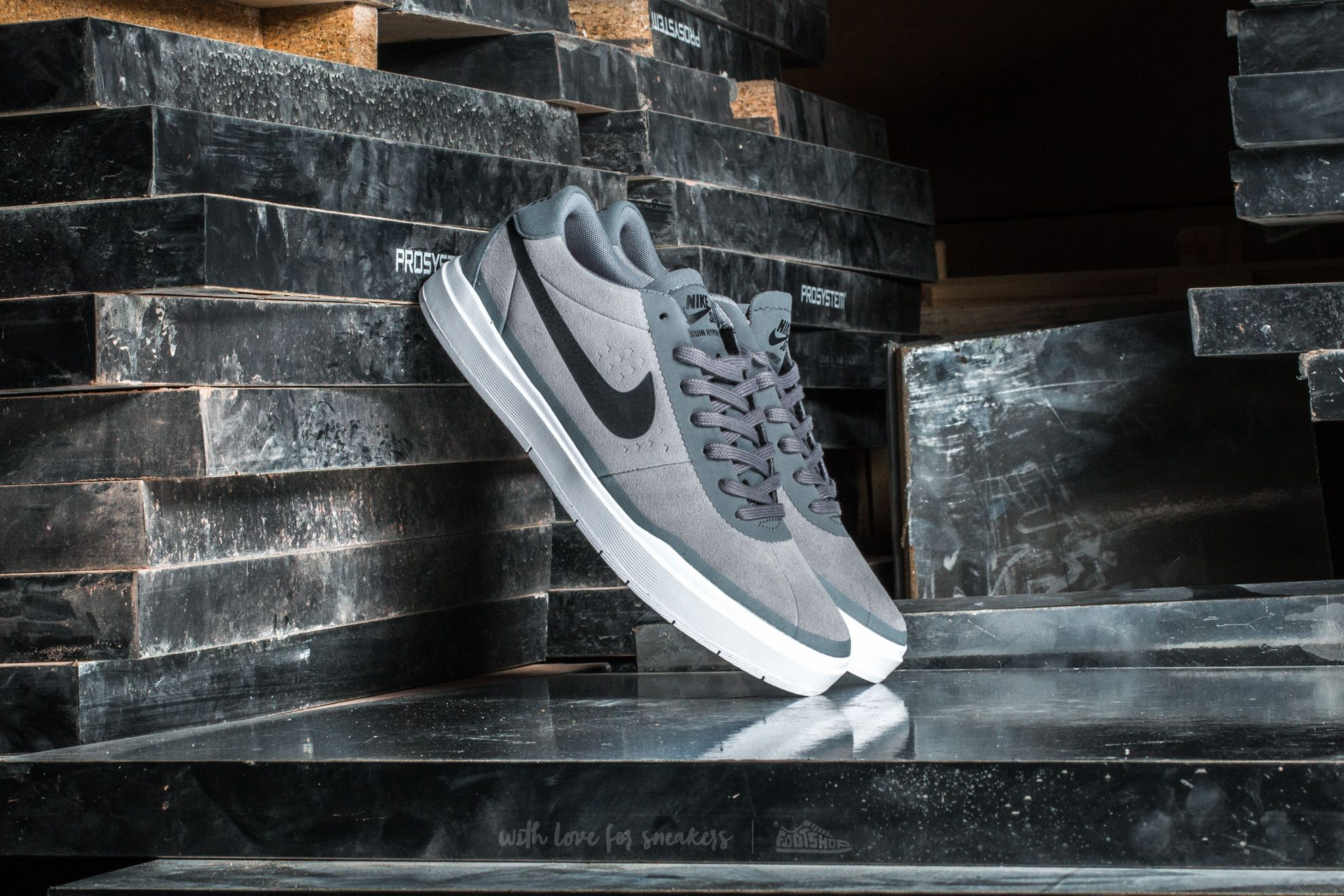 Nike Bruin SB Hyperfeel Cool Grey/ Black-White