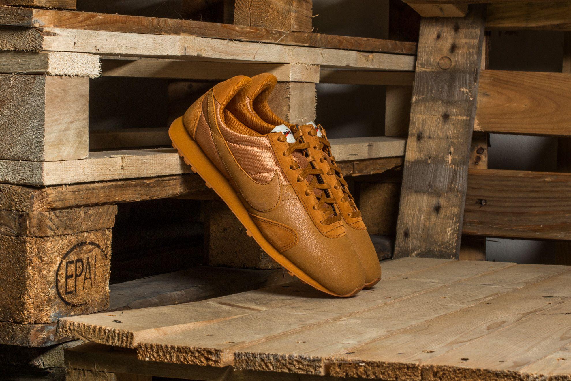Nike W Pre Montreal Racer Vintage Premium Desert Ochre/ Desert Ochre