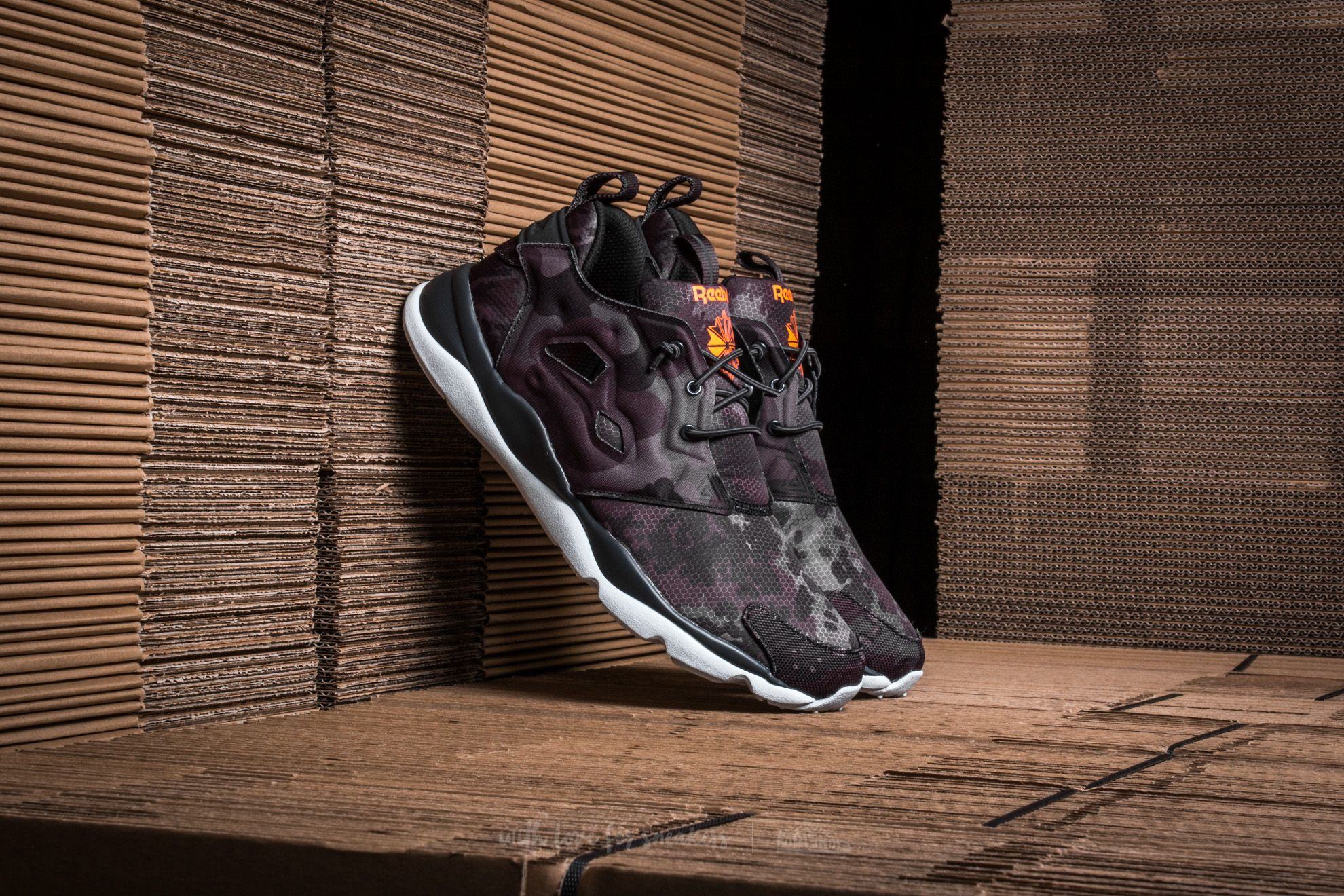 Reebok Furylite CC Coal/ Wild Orange/ Blue