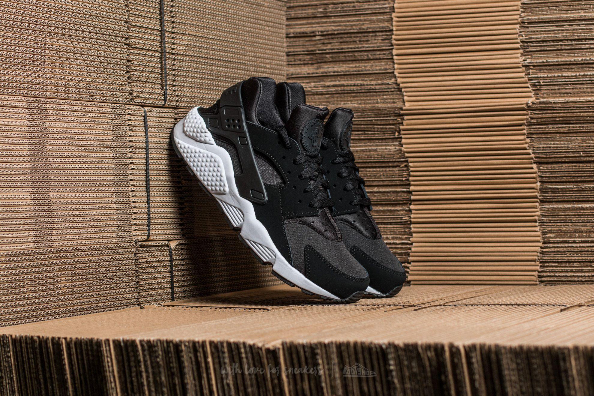 Nike Air Huarache Black/ Black-Black-White