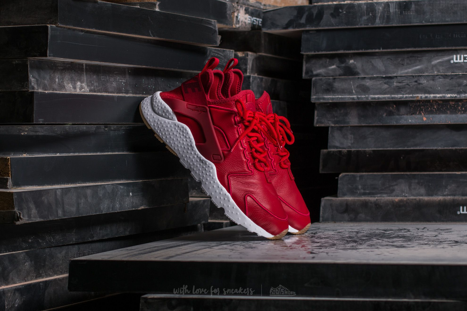 Nike W Air Huarache Run Ultra SI Gym Red/ Gym Red-White