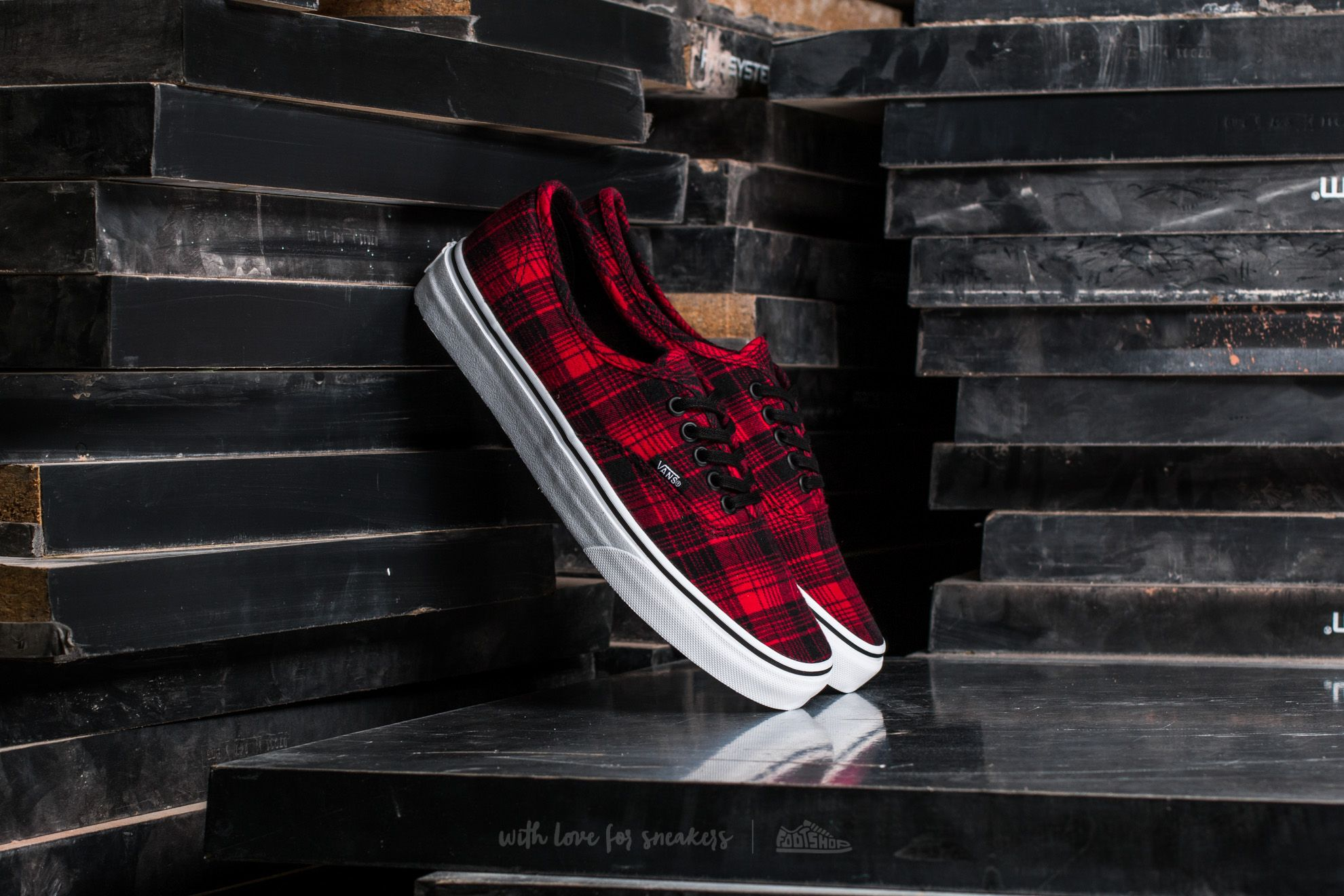 Vans Authentic Plaid Flannel Rectangle Red/ True White Footshop – FR
