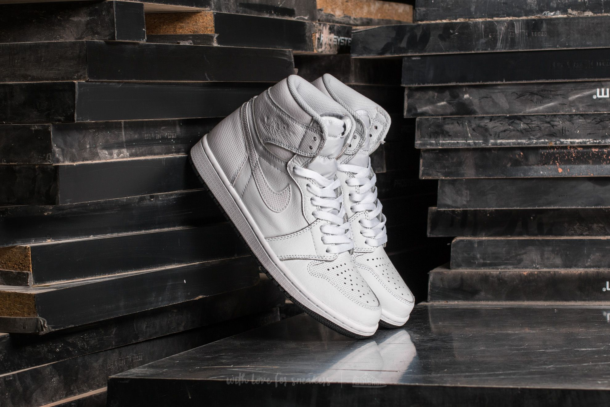 Air Jordan 1 Retro High OG White/ Black Footshop – FR