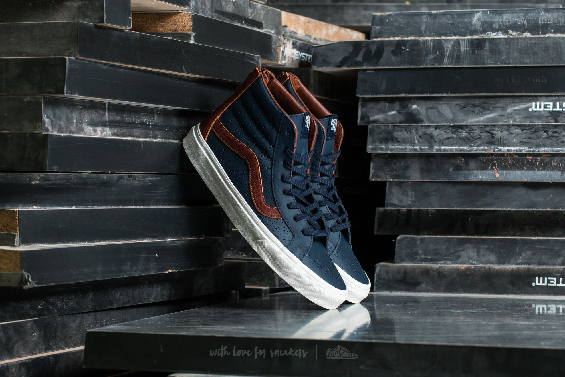 Vans Sk8-Hi Reissue Zi (Leather Perf) Dress Blue Footshop – FR