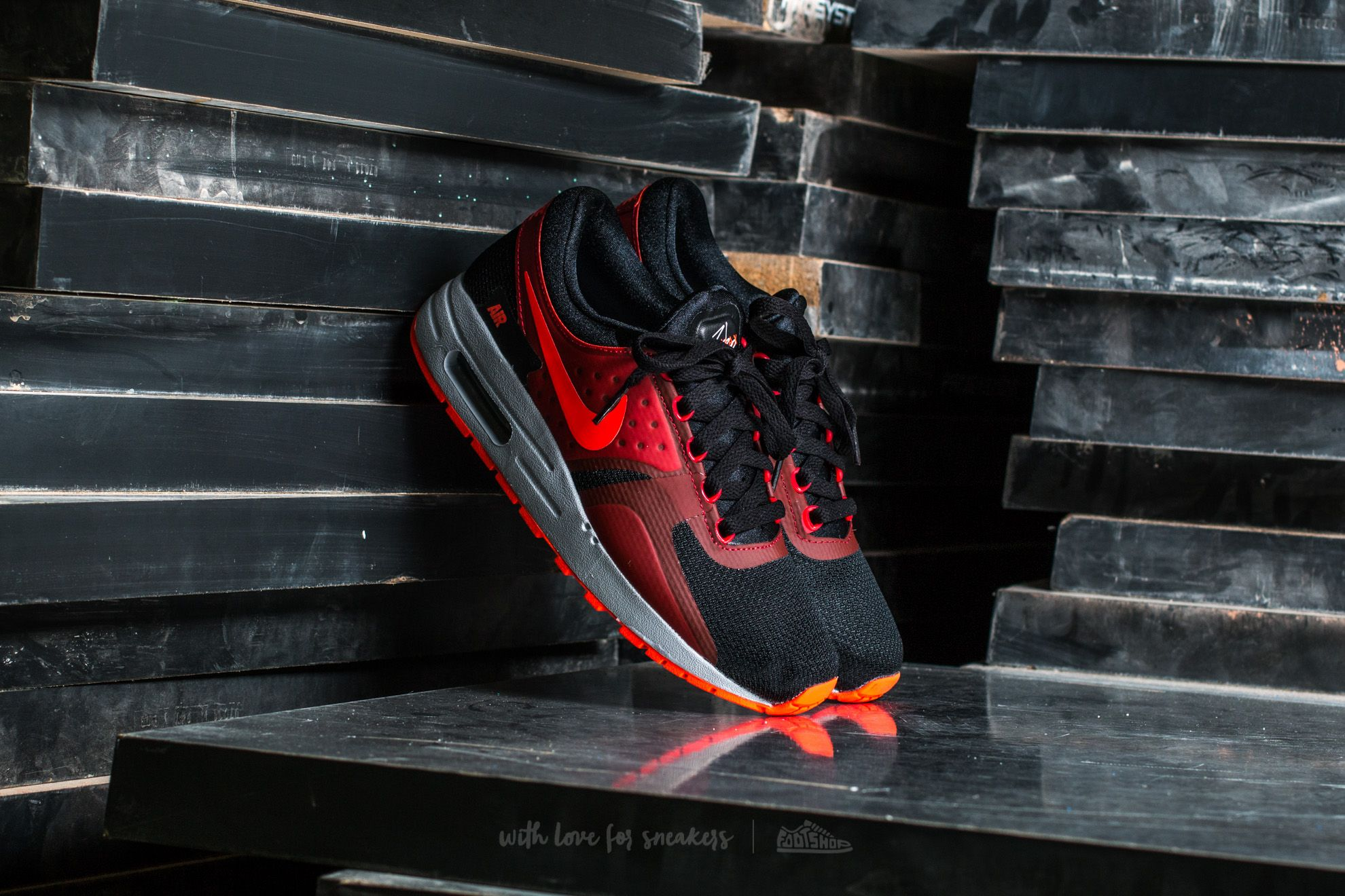 Nike Air Max Zero Essential GS Black/ Bright Crimson-Gym Red Footshop – FR