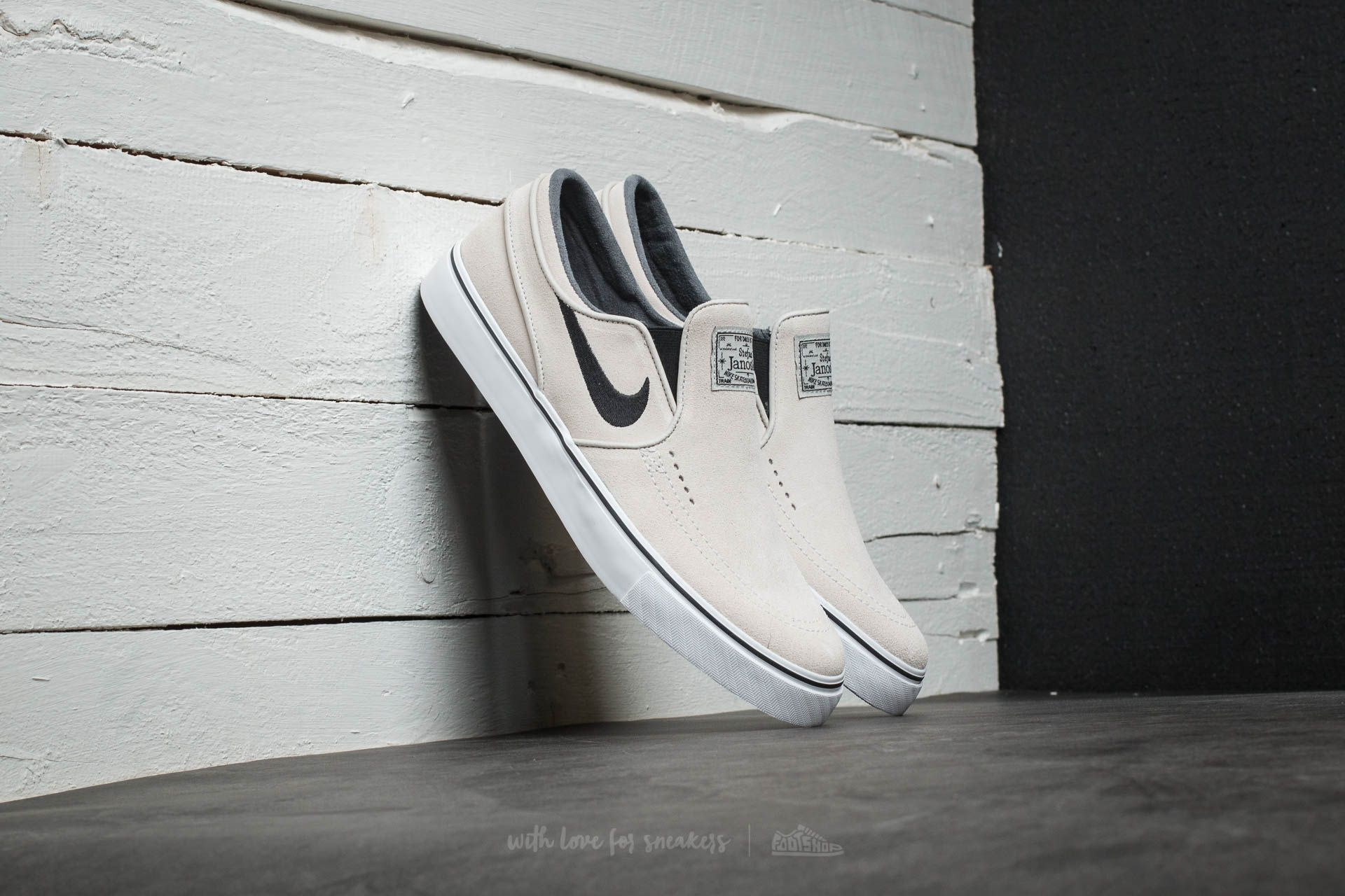 Nike Zoom Stefan Janoski Slip On Light Bone/ Black-White-Black Footshop – FR