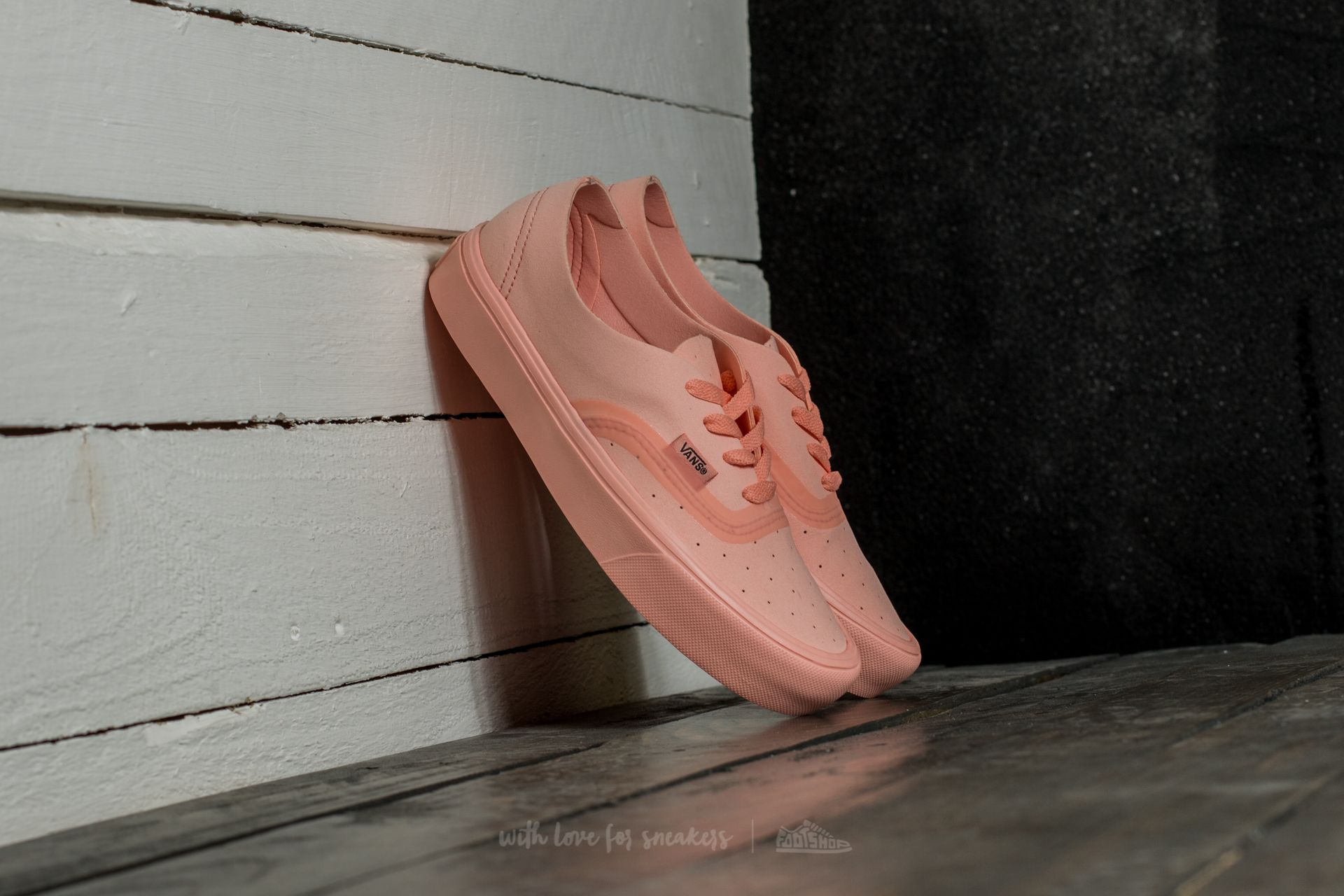 Vans Authentic Lite Ra (Perf) Tropical Peach Footshop – FR